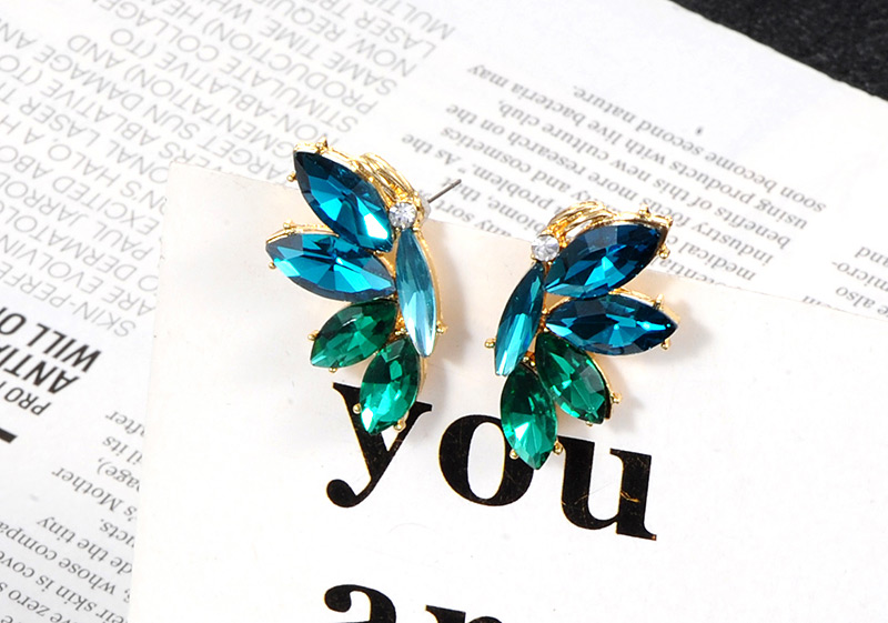Anting Tusuk P65AA6