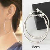 Minimalist round hoop ear clip 6cm